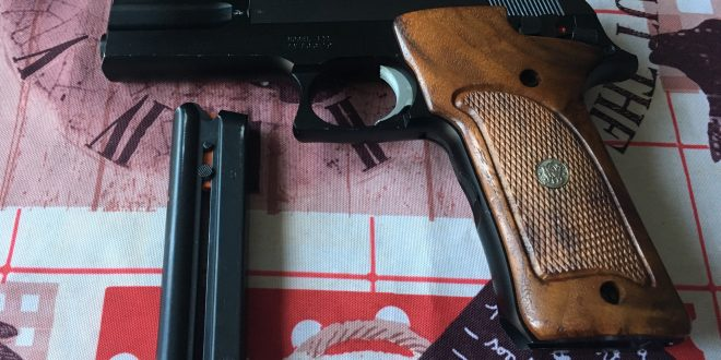 Pistolet Swith & Wesson 22LR – 270 €